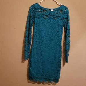 Women's dresses Divided size 6